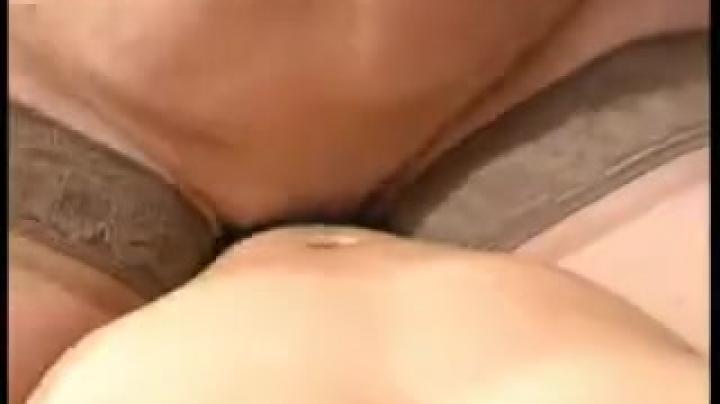Голая 50 летняя женщина трахается с партнером